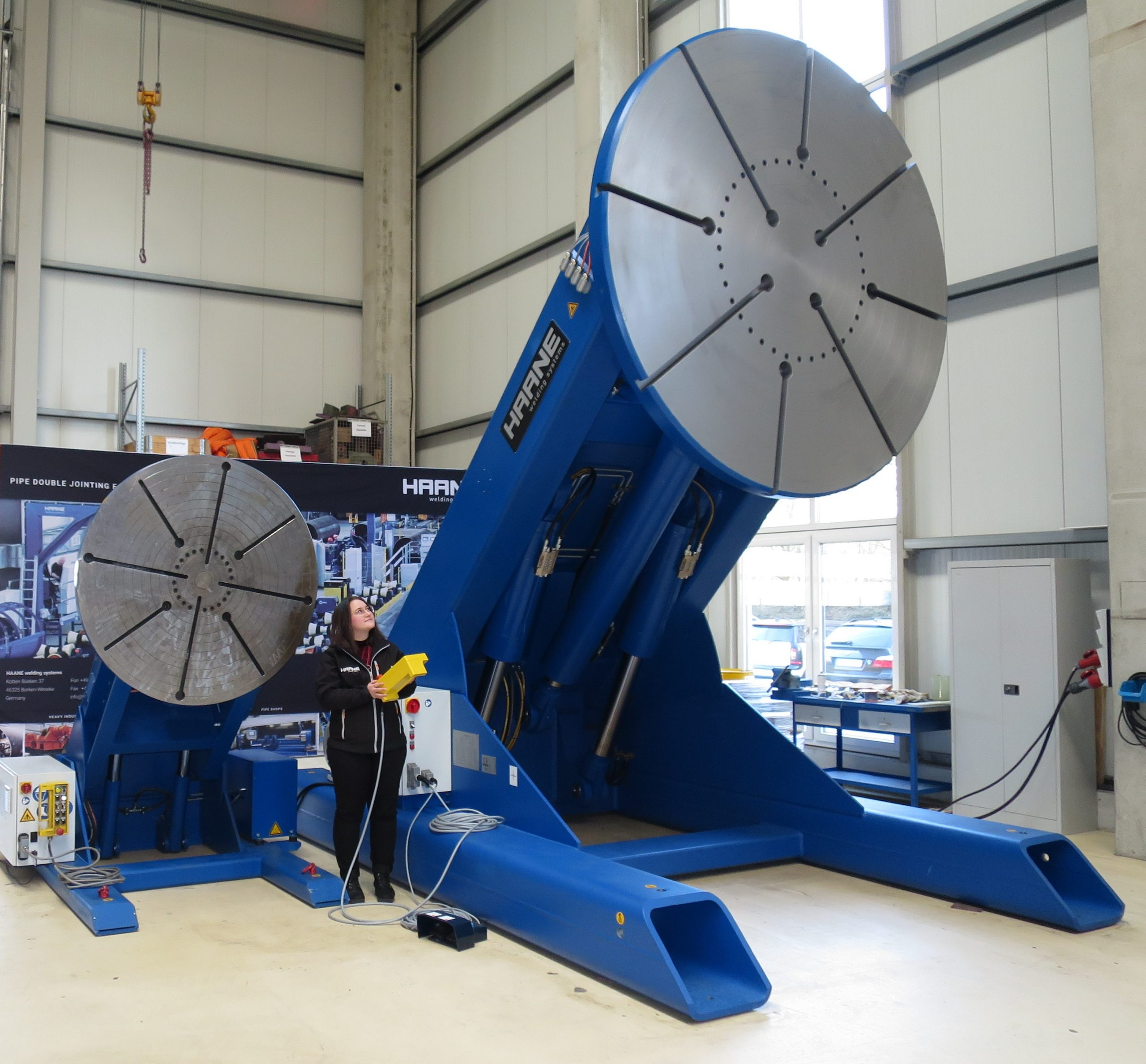 3-Axis positioners e.g. for 3 and 30 tons of load
