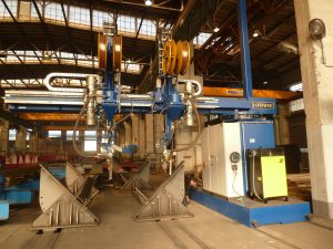 Welding of double T-beams for steel constructions