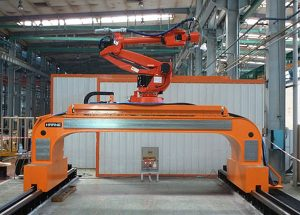 Welding robots with high-precision longitudinal carriage in portal design
